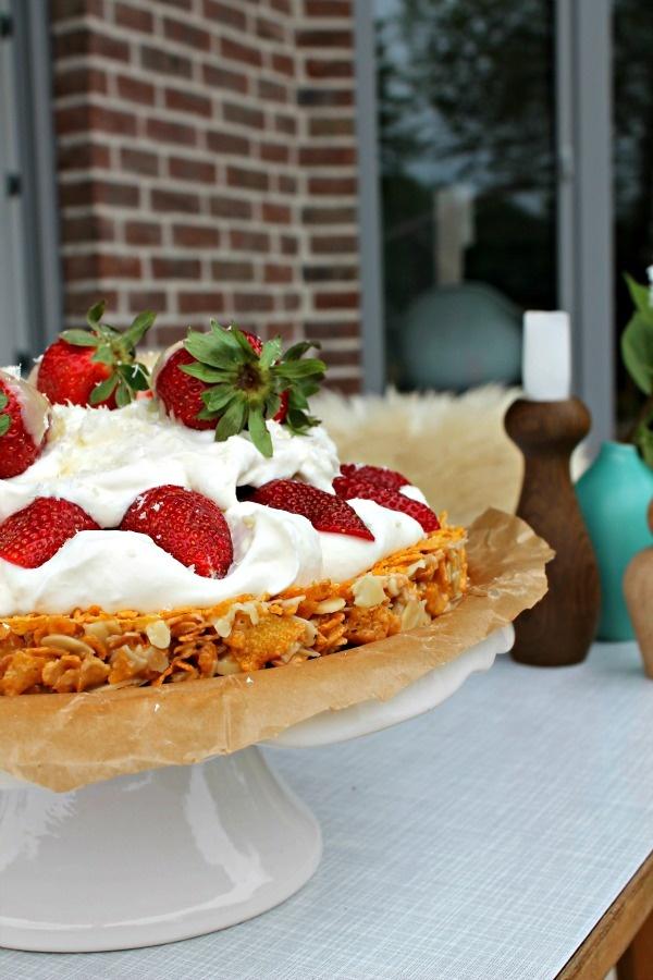 Erdbeer-Knusper-Torte von Dekotante - Rock My Home