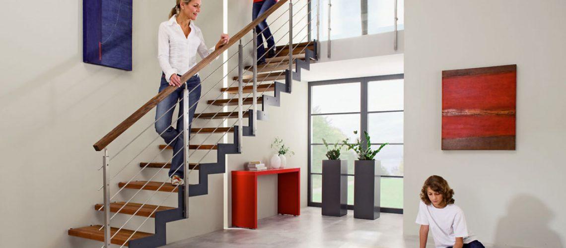 Schaffen Großzügigkeit und Klarheit: geometrisch strenge Treppenformen. Foto: djd/Treppenmeister